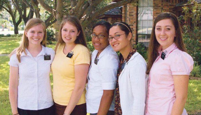 Mormon Sister missionaries
