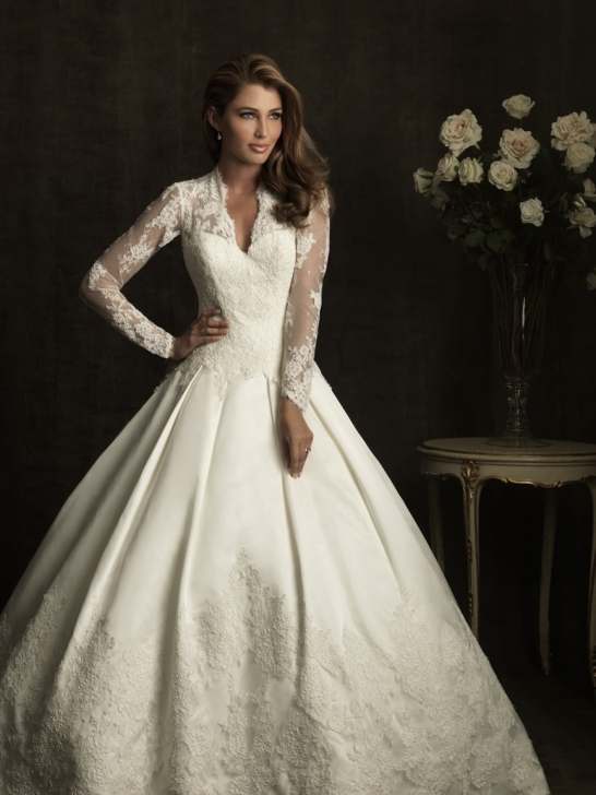 A ball gown style wedding dress
