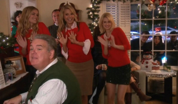 Jerry Gergich from Parks and Rec sings with his family