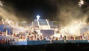 Christ appears at the climax of the Hill Cumorah Pageant