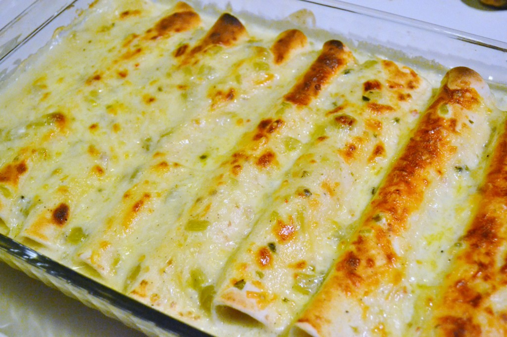 chicken enchilada recipe sour cream sauce