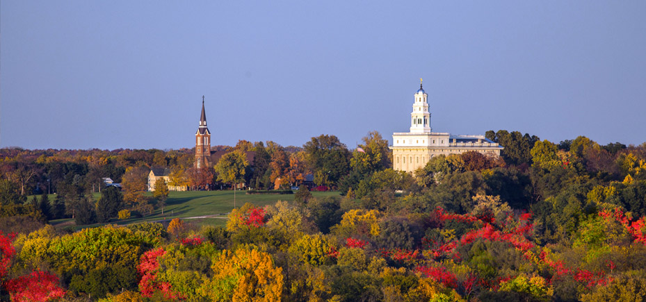 Temple looks over present day Nauvoo