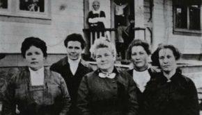 Old photo of mormon women