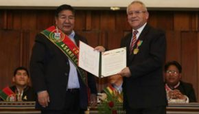 Bolivia Gives Award to LDS Church