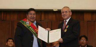 Bolivia Gives Award to LDS Church