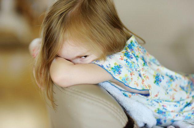 Child peeking during prayer