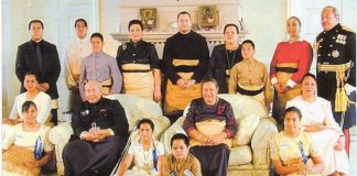 Royal Family, Tonga, 2000