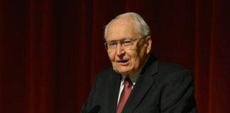 Elder Perry speaks at dinner worlds' fair