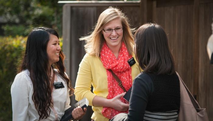 Sister missionaries sharing the gospel - image via mormonnewsroom.org