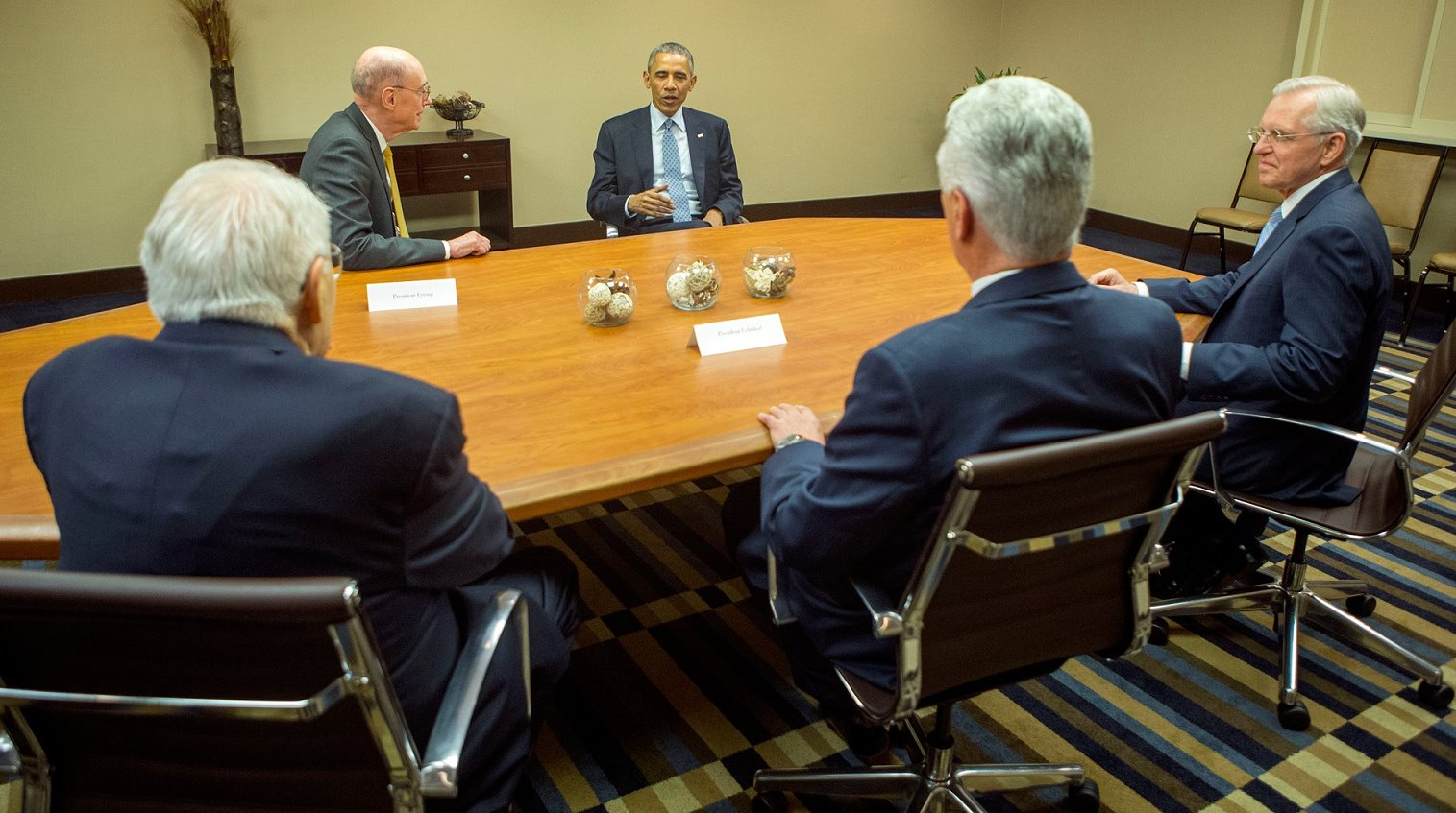 Obama meets with LDS leaders
