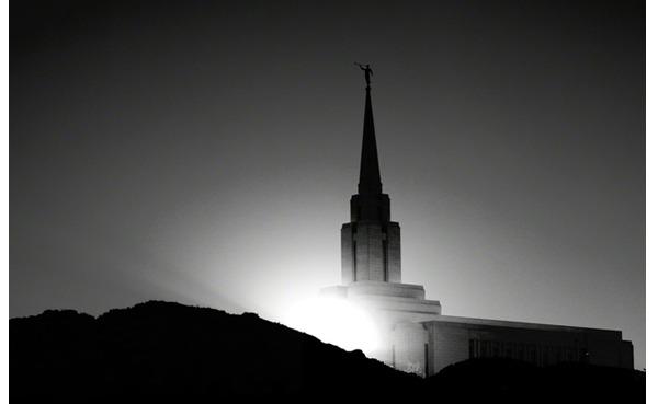 神殿でアロン神権の回復について考える