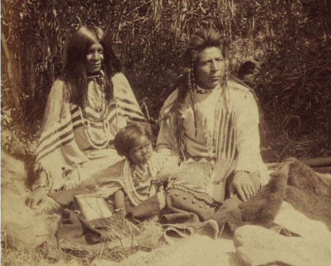 A Native Americans family