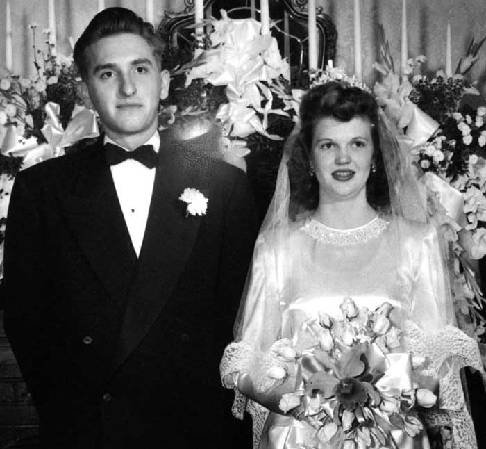 president-monson-with-wife-wedding-299