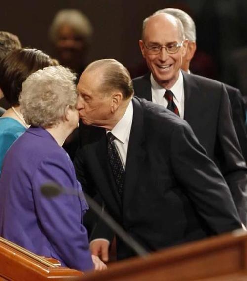 President Monson kissing Sister Monson