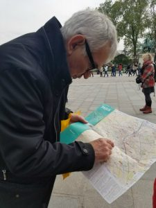 French man finds directions on Paris map