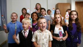 Children sing in primary