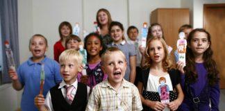 Children sing in primary