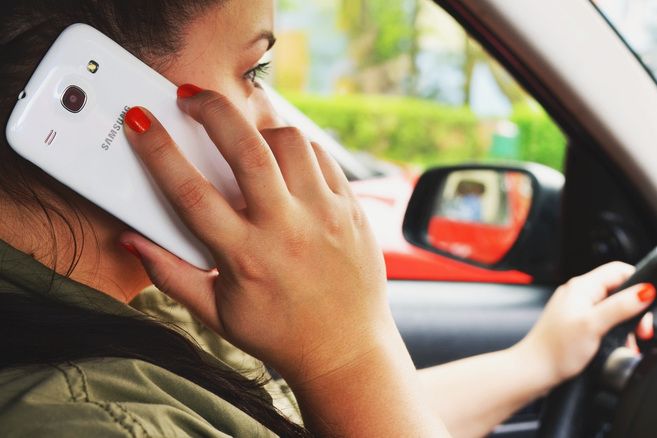 distracted driving talking on phone