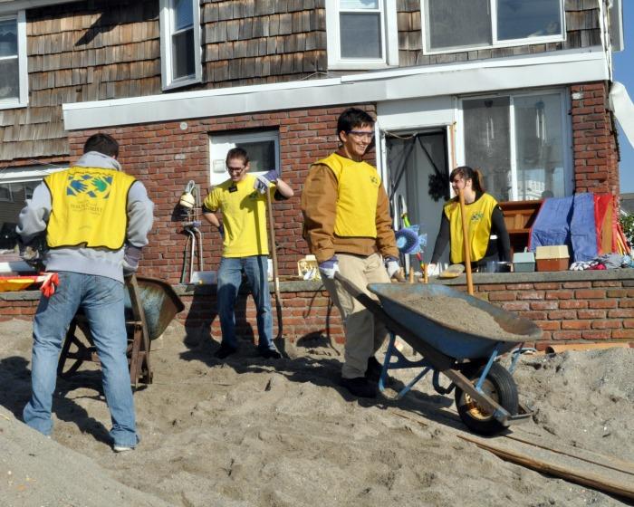 Volunteers with Mormon Helping Hands