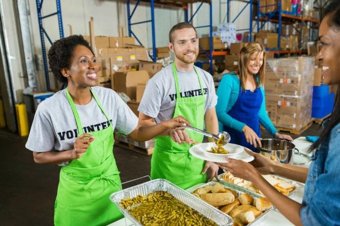 thanksgiving traditions volunteer service