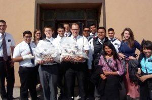 Missionaries Ilumina el mundo light the world Mexico