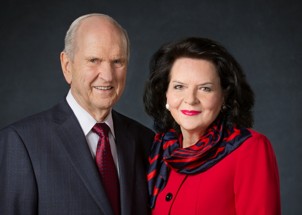Portrait of President Russell Nelson and his wife, Wendy Nelson.
