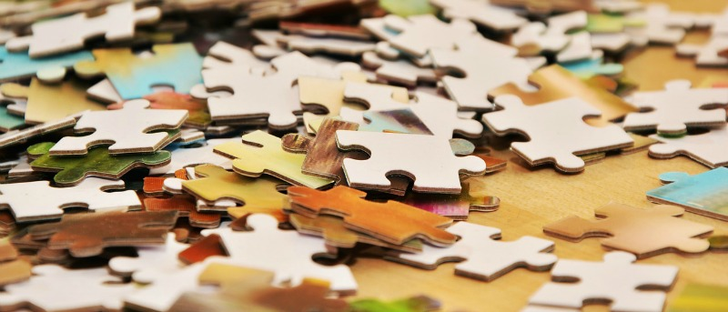 Puzzle pieces as an analogy of truth