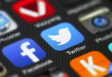 Smartphone apps, focused on Twitter