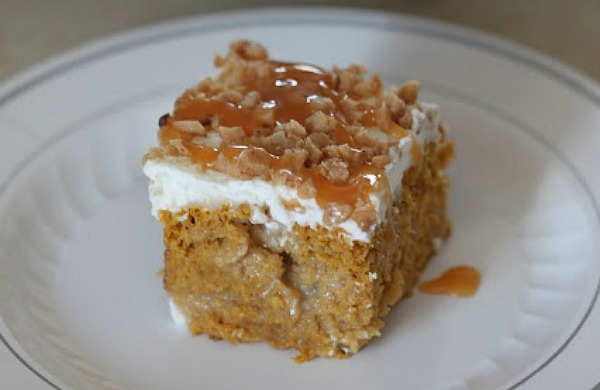 pumpkin poke cake fall