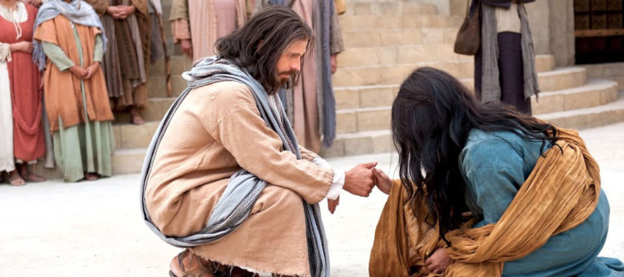 An image of Christ talking to the woman taken in adultery.