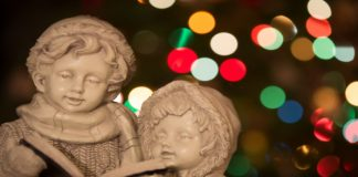 statue of Christmas carolers