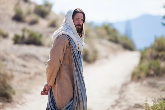 jesus christ walking and looking back