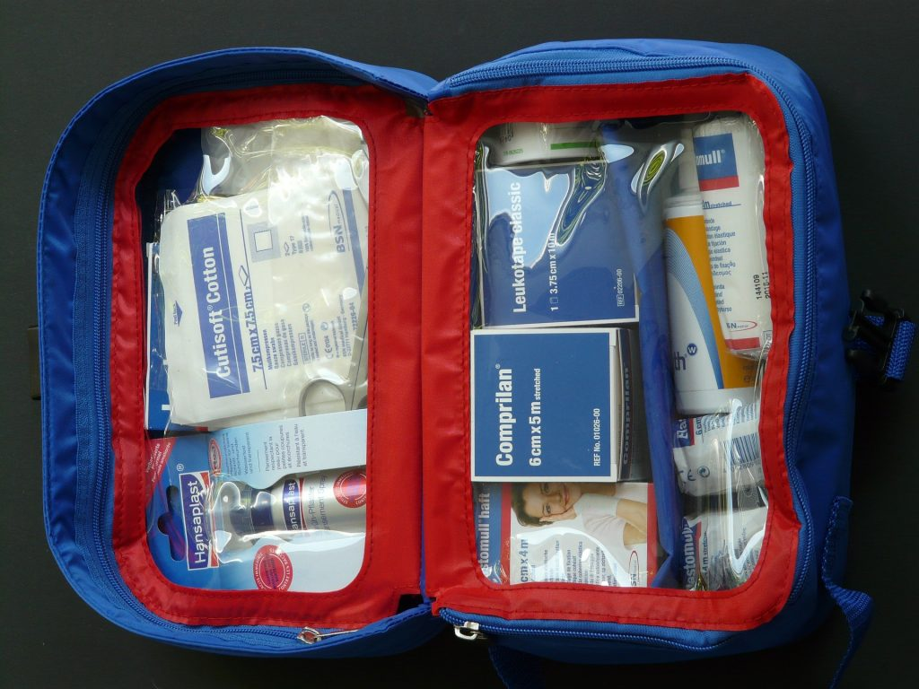 First aid kit, kits medical, emotional first aid