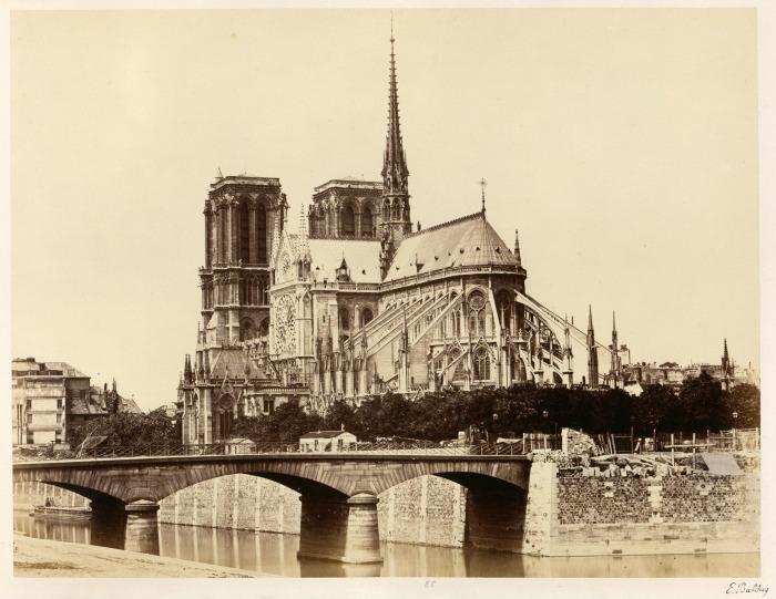 Édouard_Baldus,_Notre-Dame_(Abside),_1860s_-_Metropolitan_Museum_of_Art