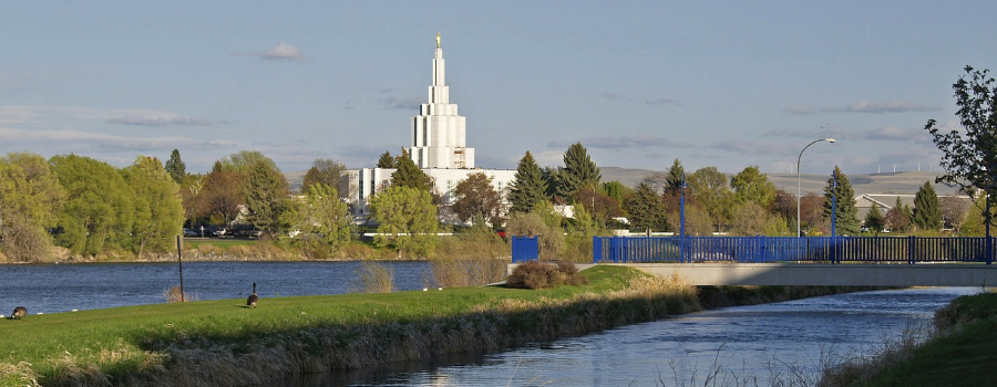 Photo of Idaho Falls Temple.