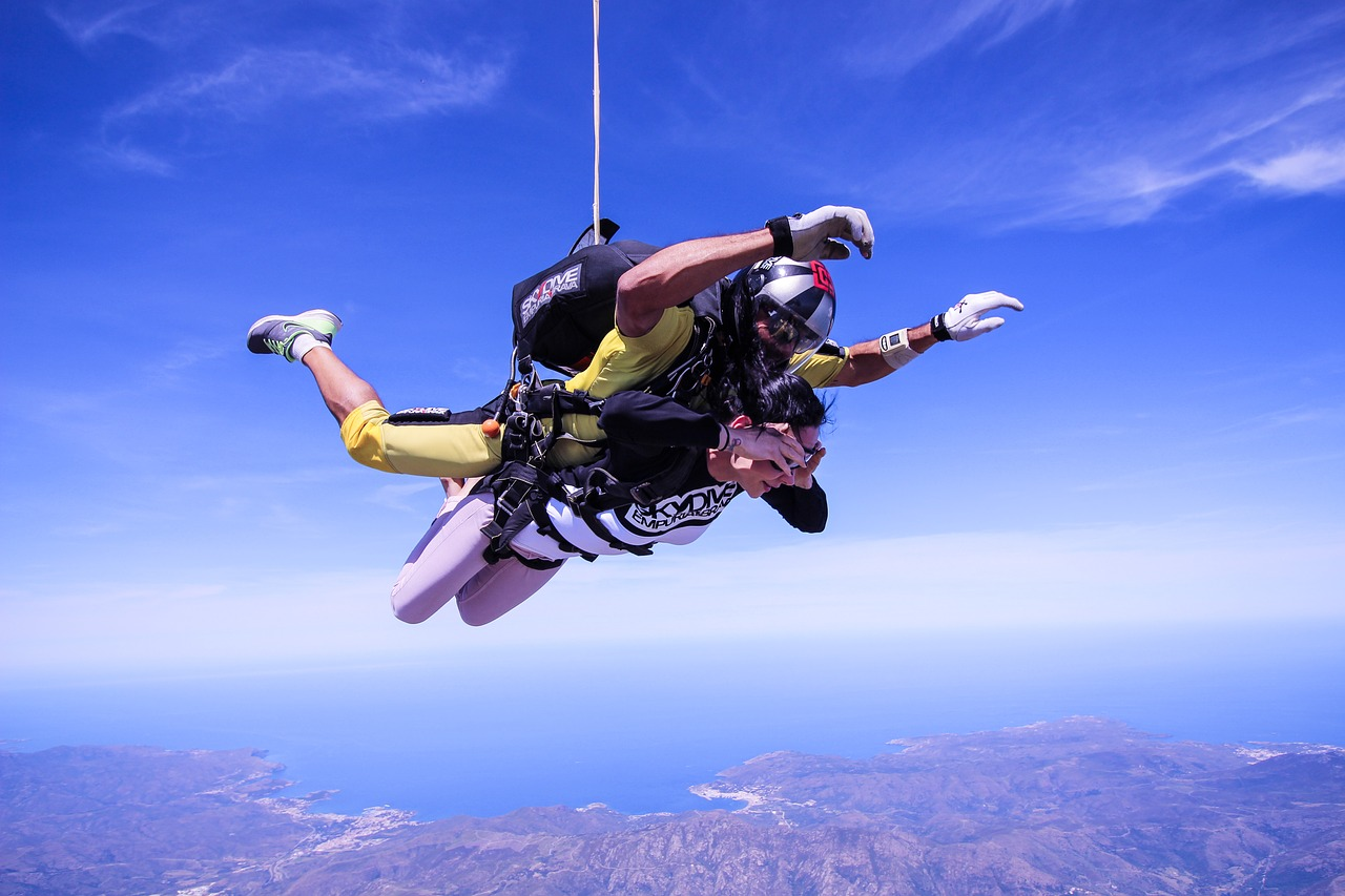 skydiving adventure risk sport