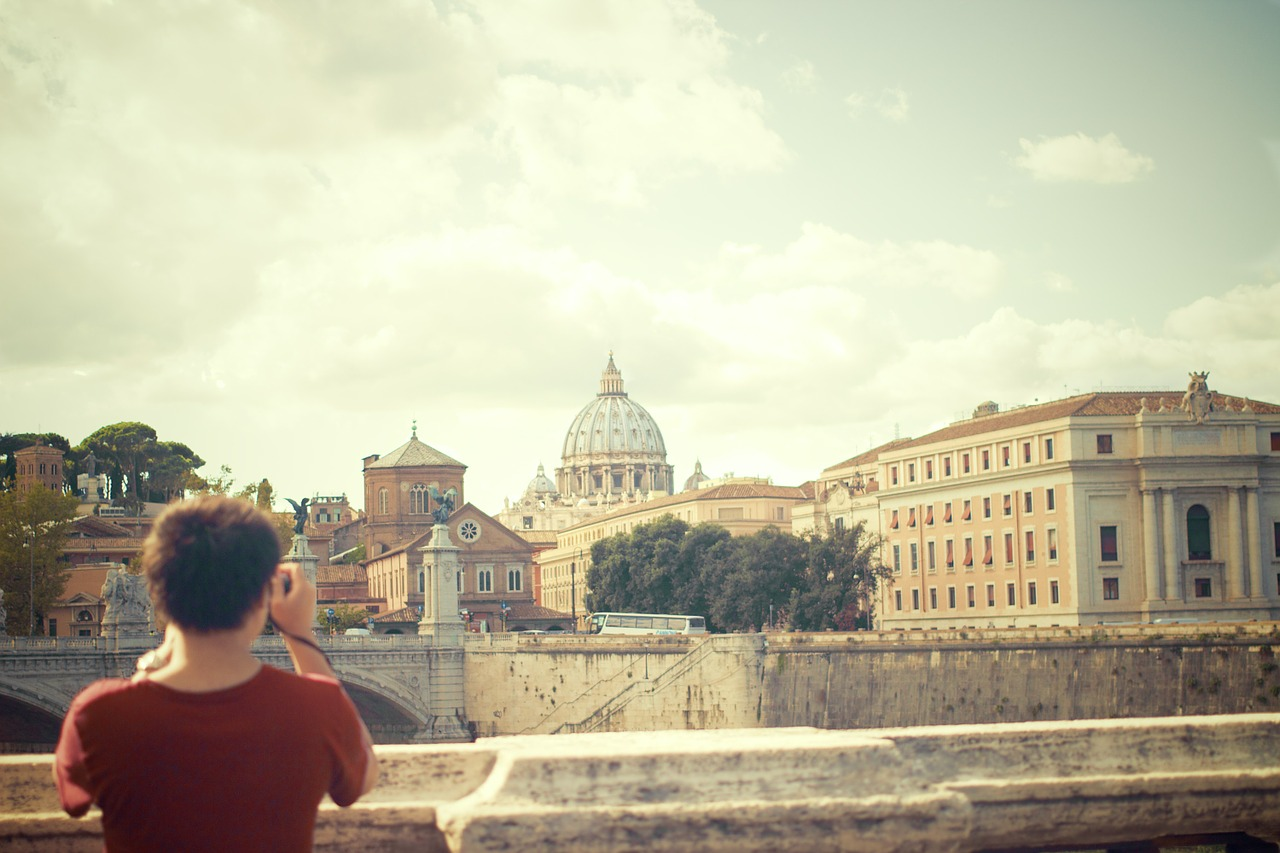tourist traveler rome basilica vatican catholic
