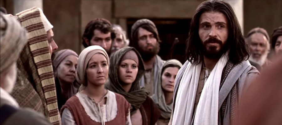 Jesus Christ teaching others.