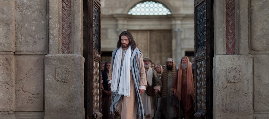 Jesus Christ exiting the temple.