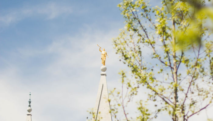 preparing to go back to the temple picture of moroni