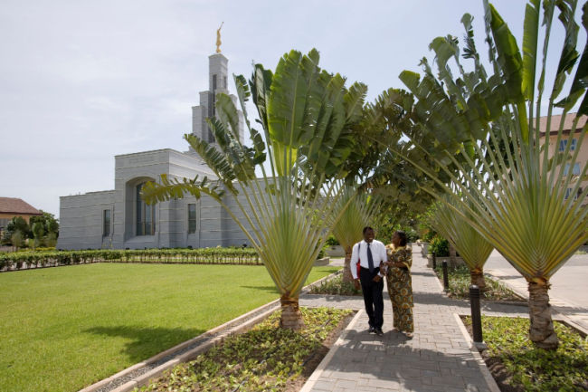 couple at ghana accra temple walking