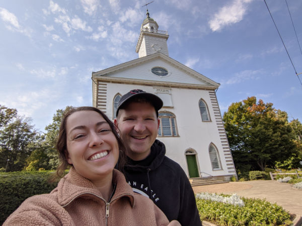 couple at kirtland ohio temple during covid-19