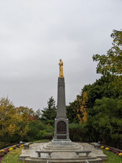 moroni monument at hill cumorah