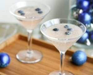 """Frost Bite"" Mocktail Holiday Drink"