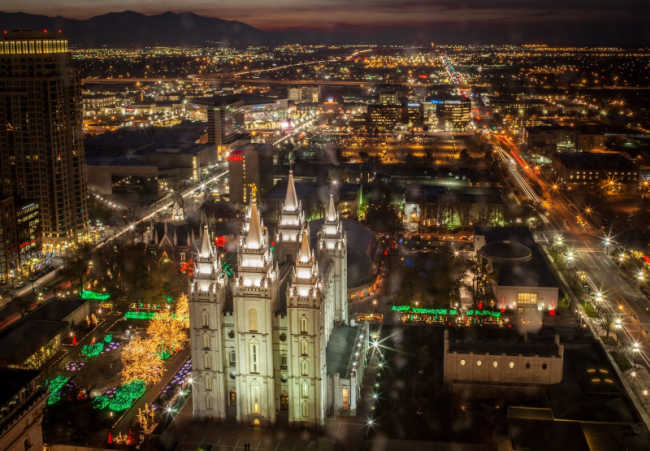temple square lights at christmas from above