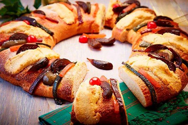 rosco de reyes or kings cake for three king's day celebrating the three wise men
